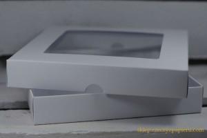 Pudełko na kartkę z okienkiem - białe - 15x15x2,5cm